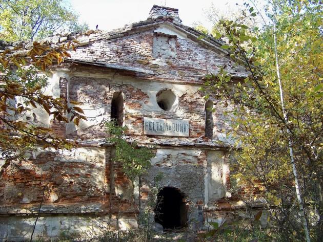 Dolné Lelovce - Hrobka rod. Tarnóczy 31 - 31.10.2015