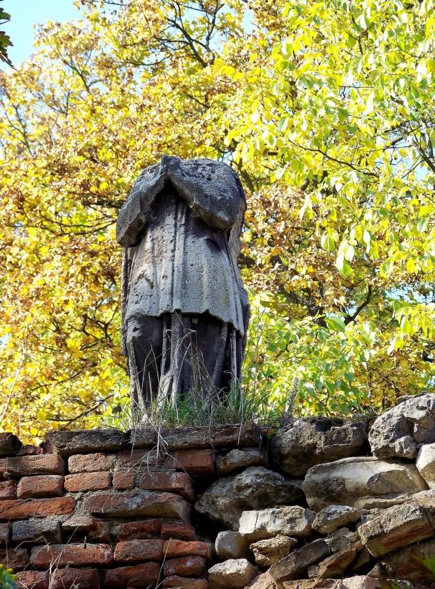 Dolné Lelovce - Hrobka rod. Tarnóczy 32 - 31.10.2015