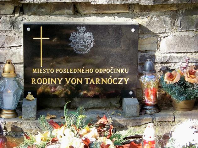 Dolné Lelovce - Hrobka rod. Tarnóczy 35 - 31.10.2015