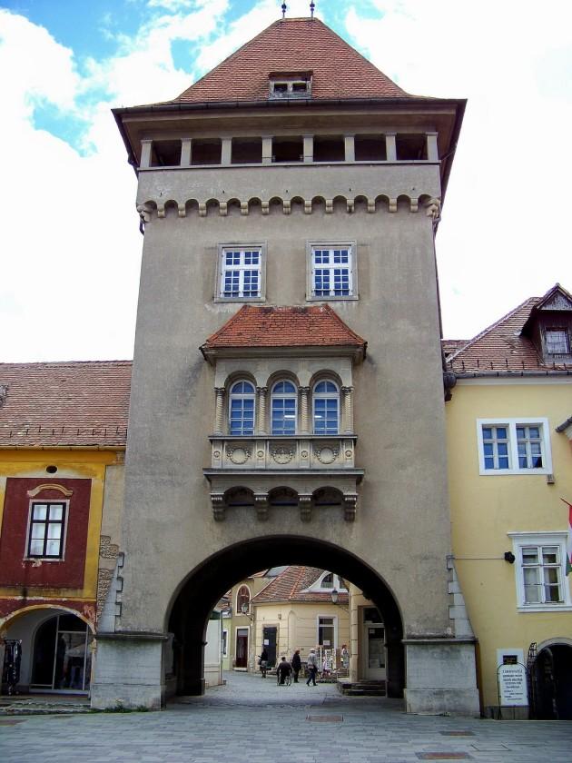 Kőszeg,(mestská brána), Maďarsko 58 - 2.5.2015
