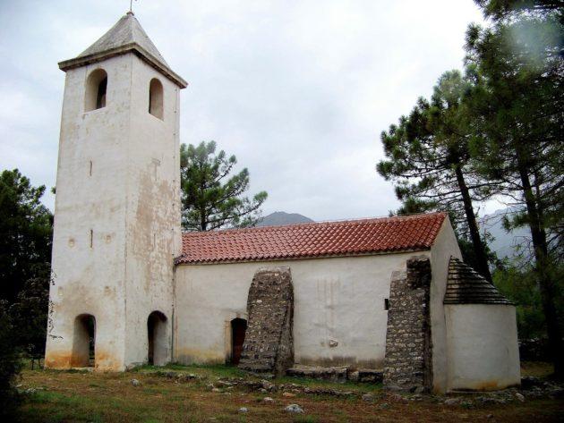 3a-starigrad-kostol-sv-petra-3-viii-2015