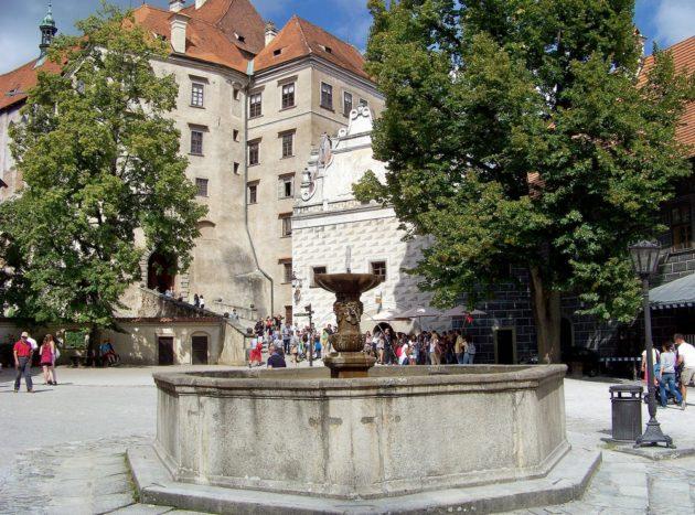 24-cesky-krumlov-zamek-cz-29-16-8-2016