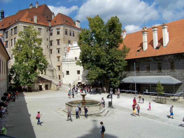 25-cesky-krumlov-zamek-cz-30-16-8-2016