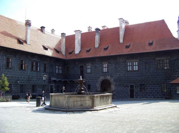 5-cesky-krumlov-zamek-cz-3-16-8-2016