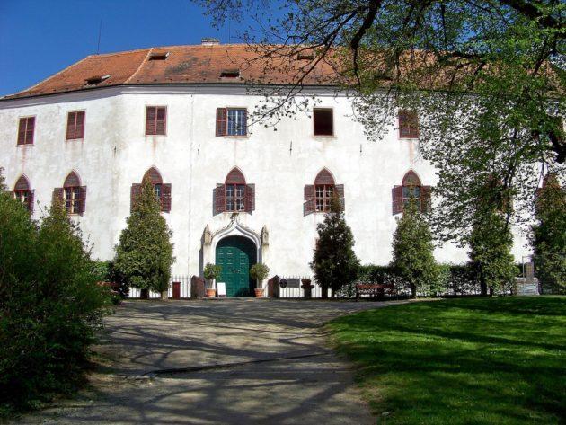 11-bitov-hrad-cz-2-7-5-2016