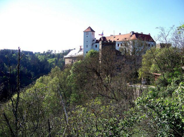 3-bitov-hrad-cz-27-7-5-2016