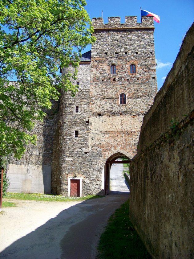 6-bitov-hrad-cz-24-7-5-2016