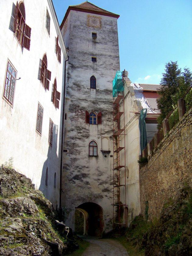 7-bitov-hrad-cz-28-7-5-2016